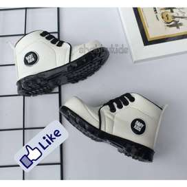 Sepatu Boot Anak Laki-Laki (1-3 Tahun)