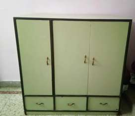 Cupboard with 3 drawer