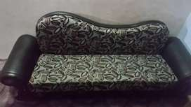 Sofa kum bed in 10/10 condition