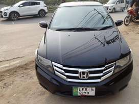 Honda cityAuto2016 touching 3 piece sell to sell  first owner