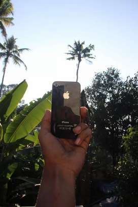 iPhone 4S Black with TOUGH ARMOUR Case