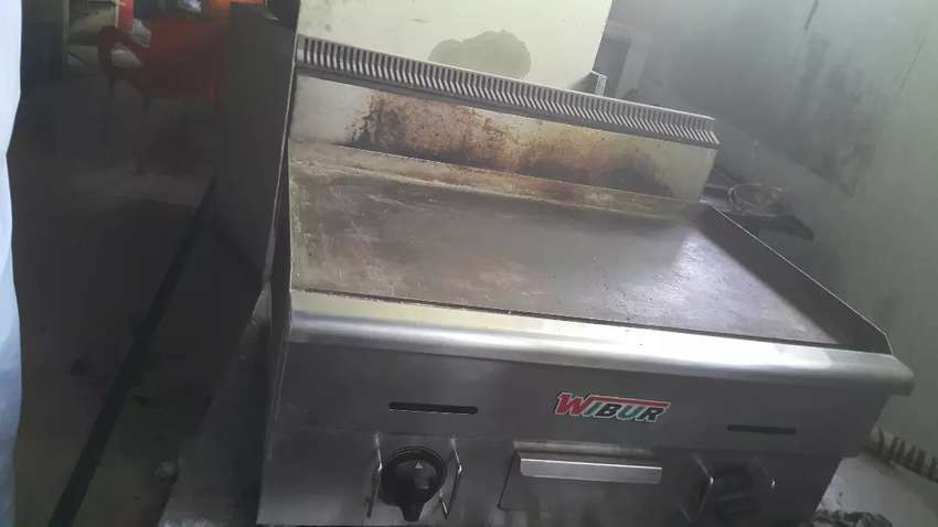 Broost machine fryer burger outplat