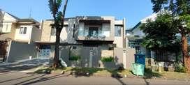 Wajib survey Rumah Cantik Modern Minimalis  di Puspita Loka BSD BS