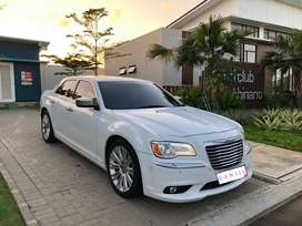 Chrysler 300C 3.6 th 2014 panoramic not bmw mercy coupe rubicon