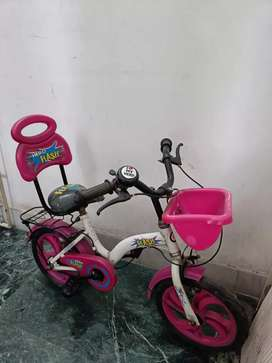 Hero flash pink 14t bicycle for 3-7 years