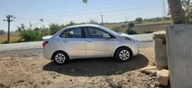 Hyundai xcent  tip top condition 4 new tyre