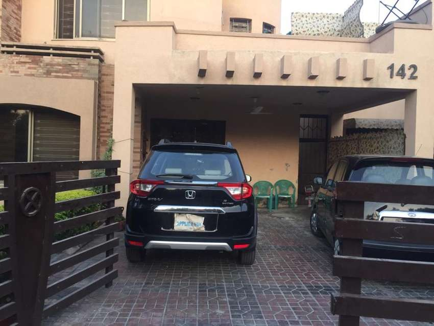 Ground studio bahria town one bed/ kitchen.family only.utilities incl 0