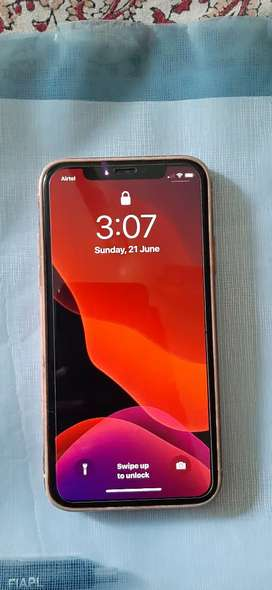 In warrenty Iphone X 64 GB  BLACK