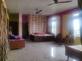 Single/Double/Triple Sharing for girls at Rs. 3000/bed