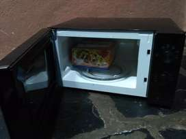 Whirlpool microwave 20L solo