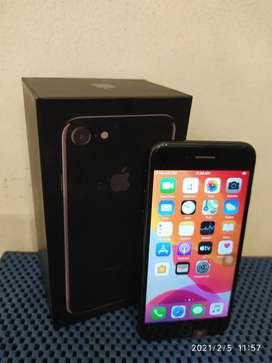 WARNA LANGKA DAN MEWAH!!! IPHONE 7 JETBLACK 128Gb SECOND LIKE NEW