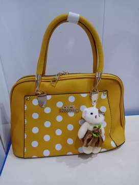 Ladies purse and bridel cluthes