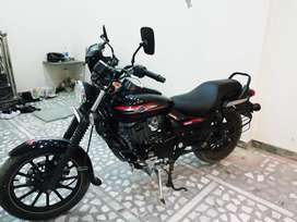 Bajaj avenger 220 street only 20000 kms driven and almost new conditio