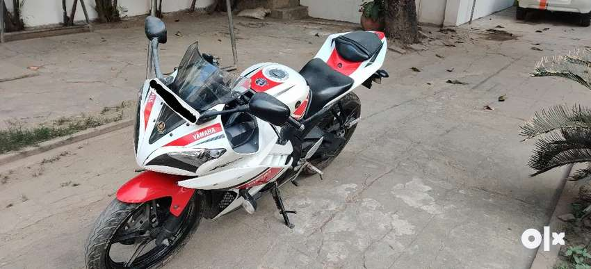 R15 V2 LIMITED EDITION in good condition 0