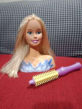 Barbie head smooth hairs with doll brush