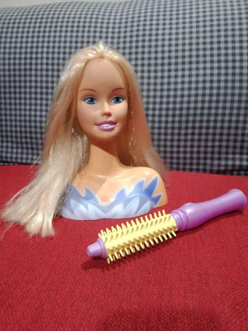 Barbie head smooth hairs with doll brush 0