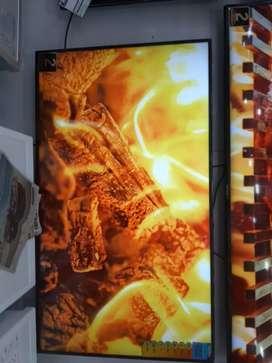 UHD 4K SMART  LED TV SAMSUNG
