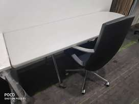 Herman Miller Solid Movable Table