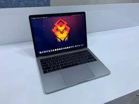 """JustMac-Apple MacBook Pro Retina 13"""" 8 GB RAM/256 GB SSD/Core i5 2017"""