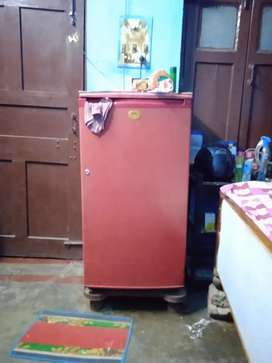 An old Fridge at Rs.4500