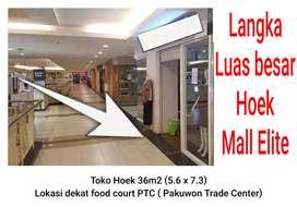 Stand toko PTC Pakuwon Trade center dkt Pakuwon mall