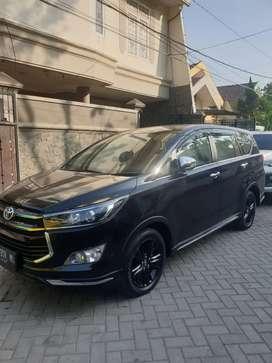 innova venturer diesel matic 2019 hitam inova