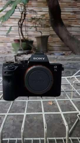 Sony A7 ii (Body Only) + BG SC 1300san
