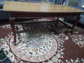 One center table and two side talbes