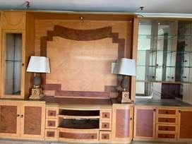 Cabinet tv besar