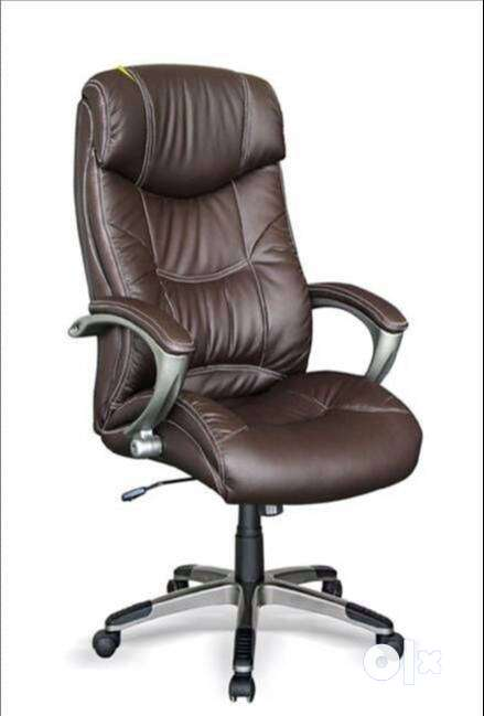 Fabio Boss Revolving Office Chair 0