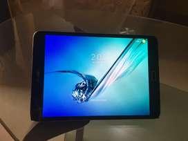 Samsung Tab S2 8.0 wifi black. Rarely used.