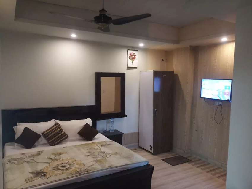 HOTEL short stay2499 & luxury bed rooms Night 3900 & weekly 18000 0