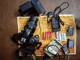 camera with flash ,3battery,8cells,charger,flash charger,flash and bag