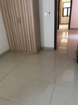 2 Bhk flat with lift available in Indirapuram on 80 feet road