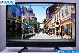 """Samsung 42"""" Smart TV box pack with UDH display"""