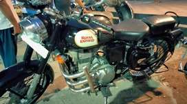 Bullet 350 classic in excellent condition.. less driven ..