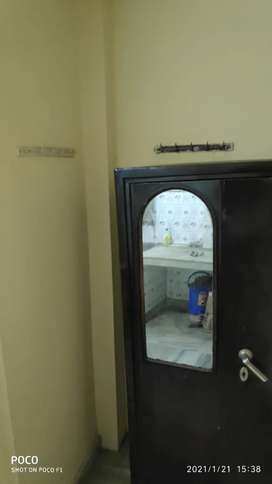 Single room set available in lajpat nagar-4 for Rent