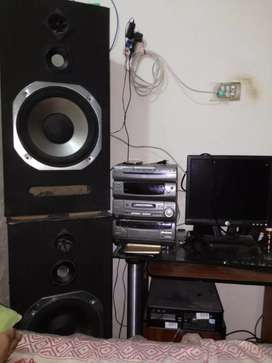 Speakers 12 inches amplifier