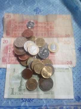 Macam2 koin, uang kertas peso&yuan, koin euro, hongkong indonesia, dll