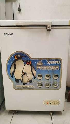 Sanyo Aqua Freezer SF- C11K (W)