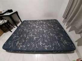 Kasur spring bed ukuran king