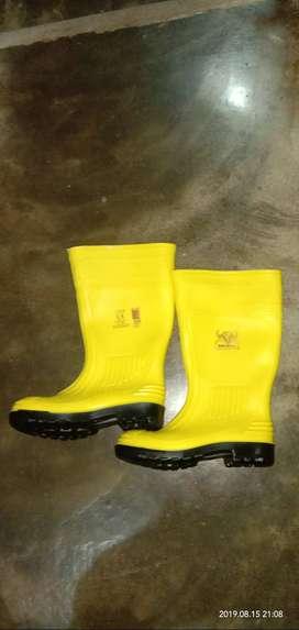 Jual sepatu boots ( size 6) sepatu Karet warna kuning