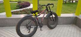 Fat tyre bike, less than 50 kms used