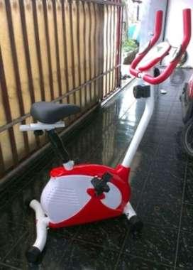 Sepeda Statis Magnetik Bike // Bee BKL 18E00