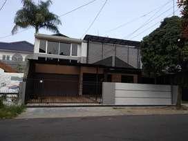 Dijual Rumah Tengah Kota Area Turangga
