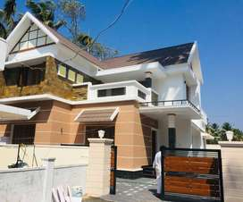 A NEW 4BHK 6CENTS 2000SQ FT HOUSE IN MUNDUR,THRISSUR
