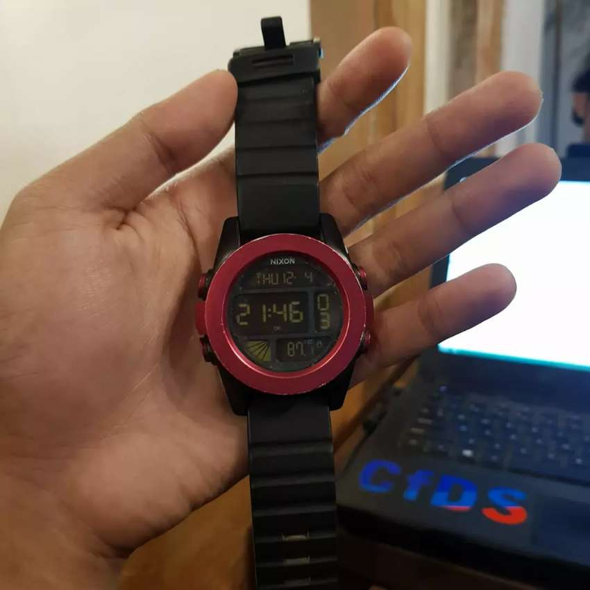 NIXON Original A1971307 dengan termometer. 0