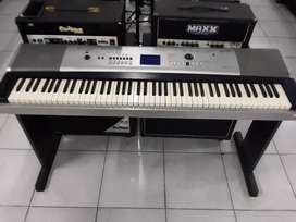 Keyboard yamaha portablegrand dgx530 bekas