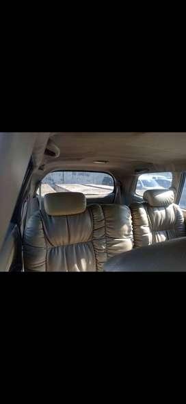 Innova 2.0 G bensin thn 2011 MT. Warna Hitam