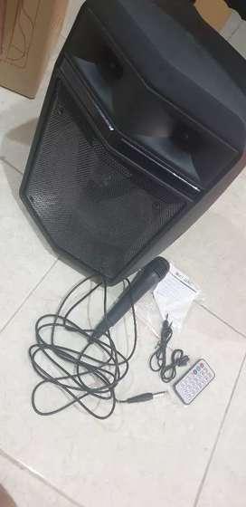 Speaker bluethot karoke